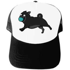 Gorra diseño Perro Pug Carlino negro corriendo con pelota